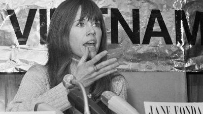 https://upload.wikimedia.org/wikipedia/commons/thumb/3/3b/Jane_Fonda_1975d.jpg/800px-Jane_Fonda_1975d.jpg