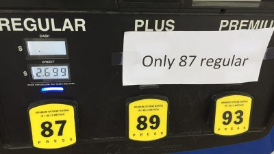 https://commons.wikimedia.org/wiki/File:Gas_Shortage_(37009146051).jpg